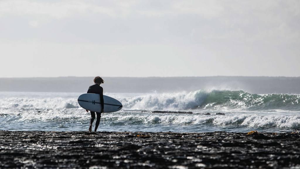 Hayden shapes HS mid length glider Craig anderson surf tabla de 7 pies evolutiva
